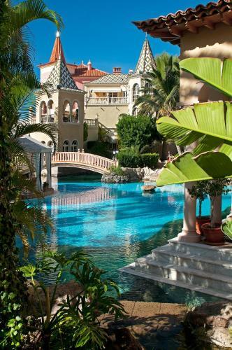Gran Hotel Bahía Del Duque Resort - 20 of 51