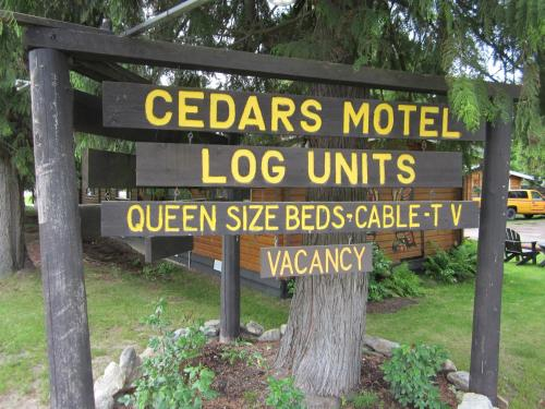 The Cedars Motel - Sicamous, BC V0E2V0