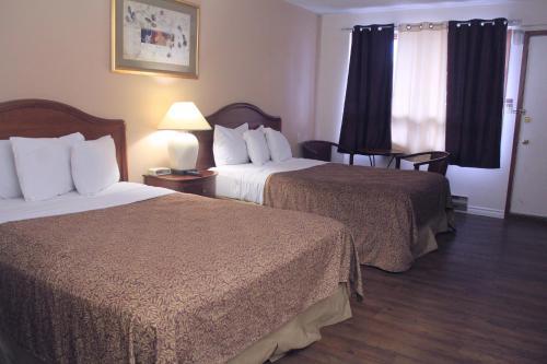 Canadas Best Value Inn Niagara Falls Photo