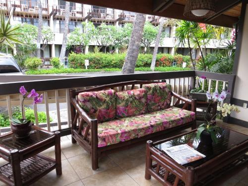 Uncle Billy's Kona Bay Hotel - Kailua Kona, HI 96740