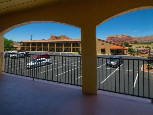 Desert Quail Inn Photo