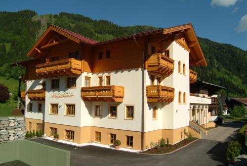Landhaus & Appartementhaus Haussteiner