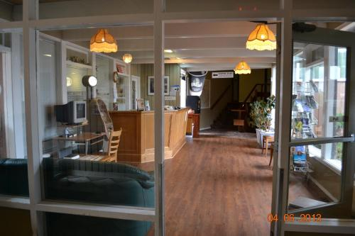 Dalewood Inn - Port McNeill, BC V0N 2R0