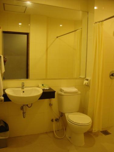Triniti Hotel Batam photo 4