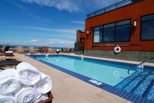 Silver Cloud Hotel - Seattle Stadium - Seattle, WA 98134