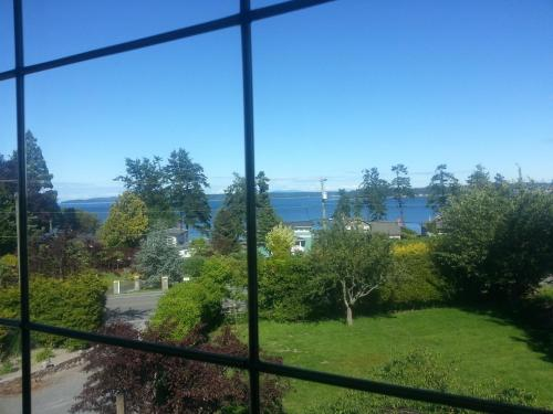 By The Sea Bnb Sidney Victoria Bc - Sidney, BC V8L 1M7