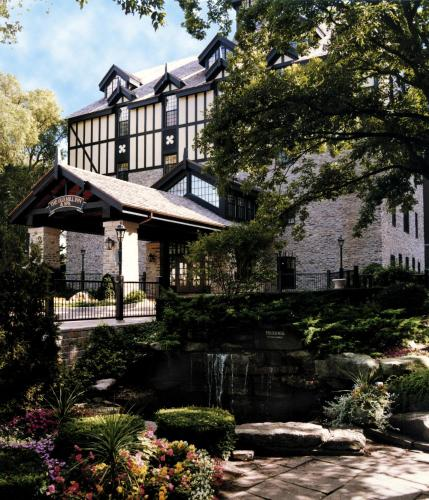 Old Mill Toronto Photo