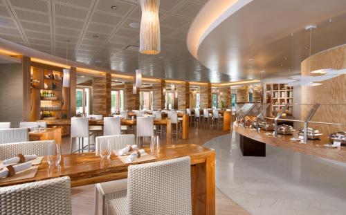 Tropicana Las Vegas a DoubleTree by Hilton Hotel and Resort Photo