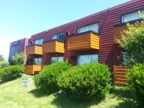 401 Inn - Burnaby, BC V5M 3Z9