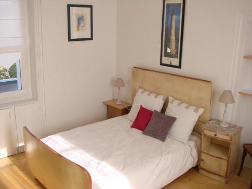 Chambres de condate chambre d 39 h tes 11 rue des ormeaux 35000 rennes adresse horaire - Chambre de commerce rennes ...