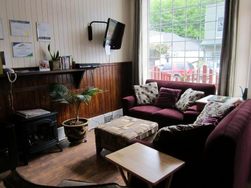 Pioneer Inns - Prince Rupert, BC V8J1K4