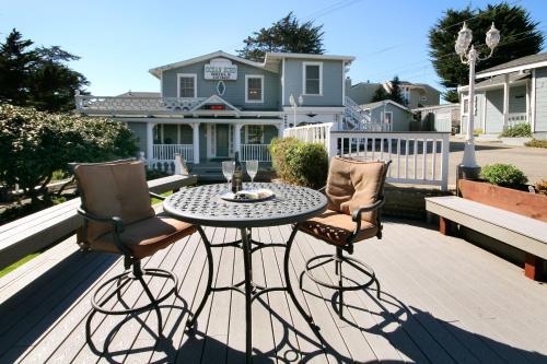 Ocean Echo Inn & Beach Cottages Photo