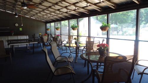Wyndham Garden Williamsburg Busch Gardens Area Photo