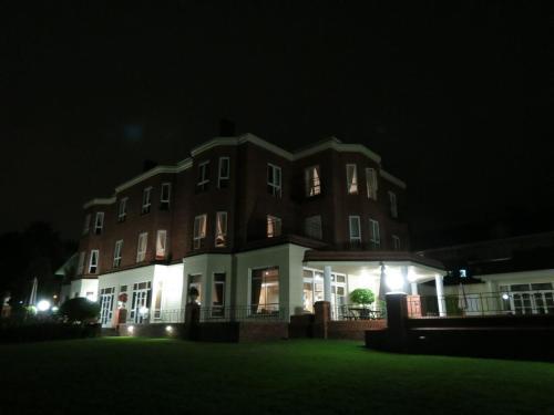 Redlands Hotel Photo