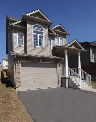 Boardwalk Homes Vacation & Bridal Guest Houses - Kitchener, ON N2N 3R9