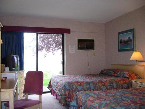 Hospitality Inn - Kamloops, BC V2C 1K6