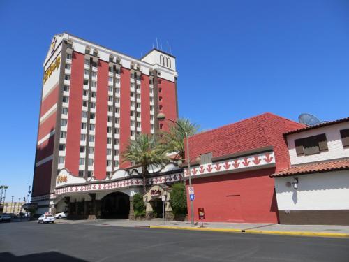 Hotels Amp Vacation Rentals Near Fremont Las Vegas Trip101