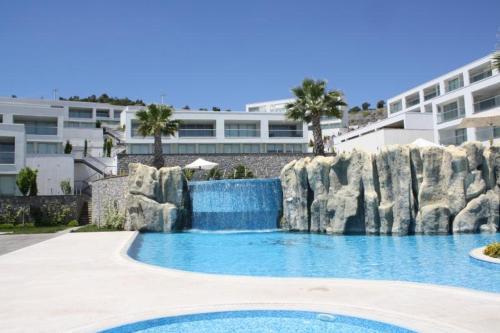 2 Bed Duplex Apartment at Horizon Sky Beach Resort, Milas
