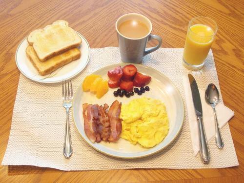West Gate Bed And Breakfast - Gananoque, ON K7G 2G4