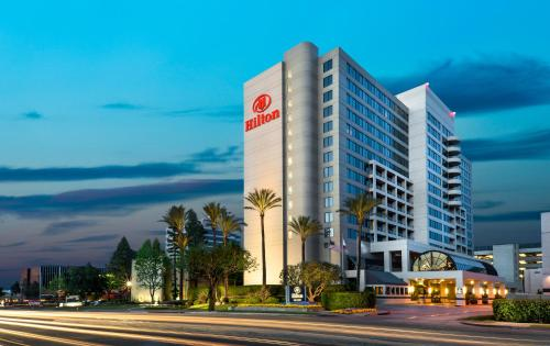 Hilton Woodland Hills - Woodland Hills, CA 91367