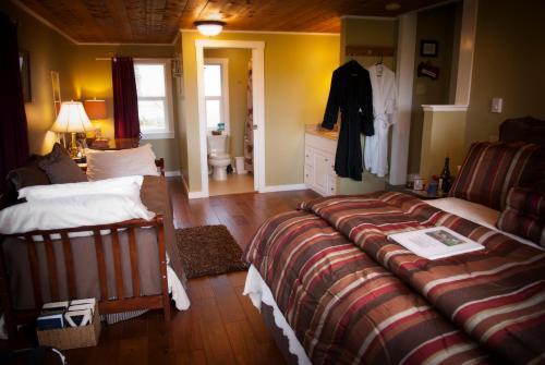 Miller Tree Inn Bed And Breakfast - Forks, WA 98331
