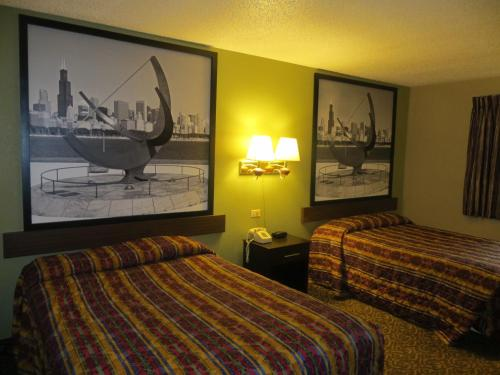 Rodeway Inn Waukegan Photo