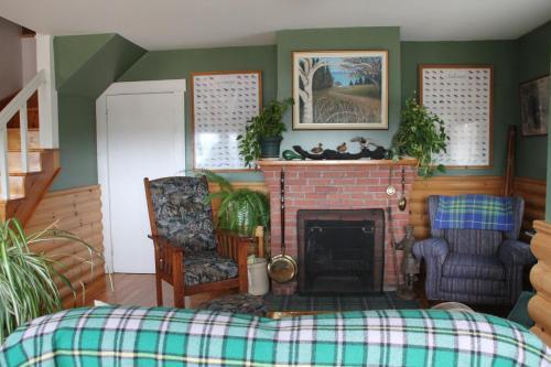 Green Highlander Lodge - Baddeck, NS B0E1B0