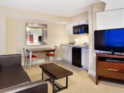 Fantasea Resorts At Atlantic Palace - Atlantic City, NJ 08401