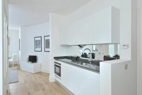 Destiny Scotland - St Andrew Square Apartments photo 8