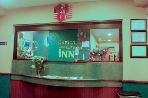 Garden City Inn - Garden City, KS 67845