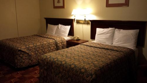 Red Carpet Inn & Suites New Cumberland - New Cumberland, PA 17070