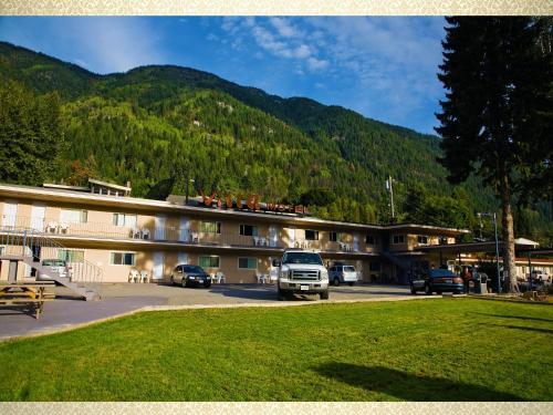 Villa Motel - Nelson, BC V1L 6M6