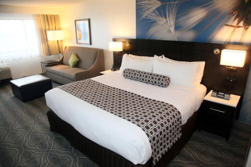 Crowne Plaza Kitchener-waterloo - Kitchener, ON N2G 2K8