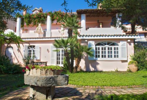 B b villa accademia giardini naxos in italy