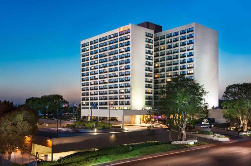 Hilton San Francisco Airport Bayfront - Burlingame, CA 94010