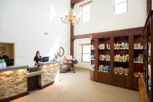 Millcroft Inn & Spa - Orangeville, ON L7K 0C4