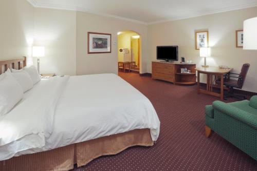 Radisson Hotel Cleveland Gateway Photo