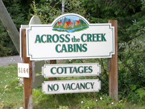 Across The Creek Cabins - Clearwater, BC V0E 1N1