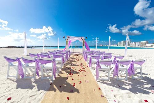 Krystal Grand Punta Cancun Resort Hotel In Mexico