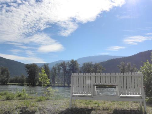 Rivermount Motel Photo