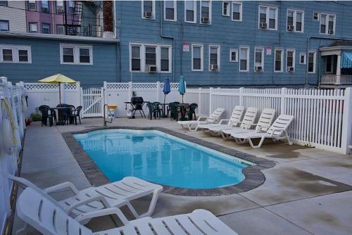 Ocean Breeze Hotel - Ocean City, NJ 08226