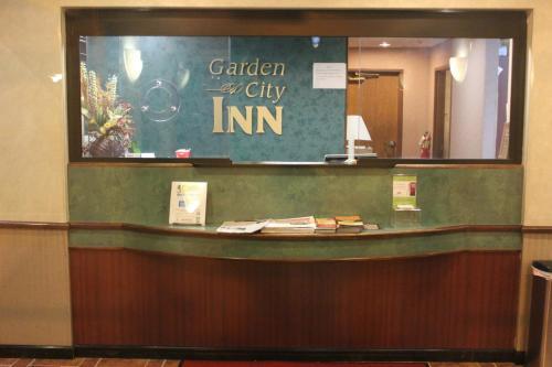 Garden City Inn Photo
