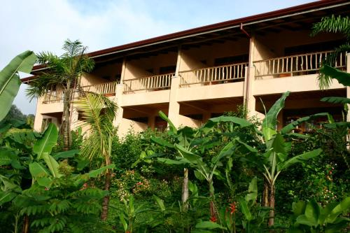 Lost Iguana Resort and Spa Photo