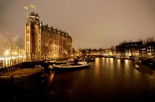 Prins Hendrikkade 108, 1011 AK Amsterdam, Netherlands.