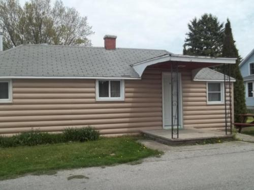 Kincardine Guest Cottage Motel - Kincardine, ON N2Z 2R2