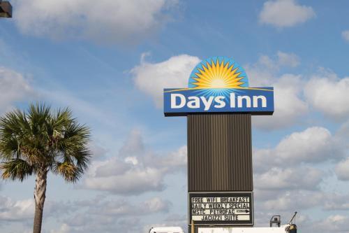 Days Inn Lafayette/Airport Photo