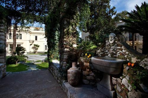 Viale San Pancrazio, n.46,  98039 Taormina ME, Sicily, Italy.