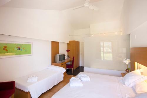 Habitación Doble con cama supletoria (3 adultos) Tierra de Biescas 15