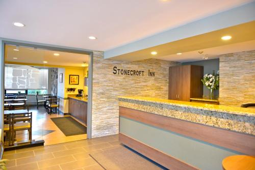 Stonecroft Inn - Windsor, ON N9E 1S4