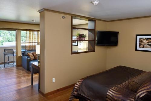 ClubHouse Hotel and Suites Photo